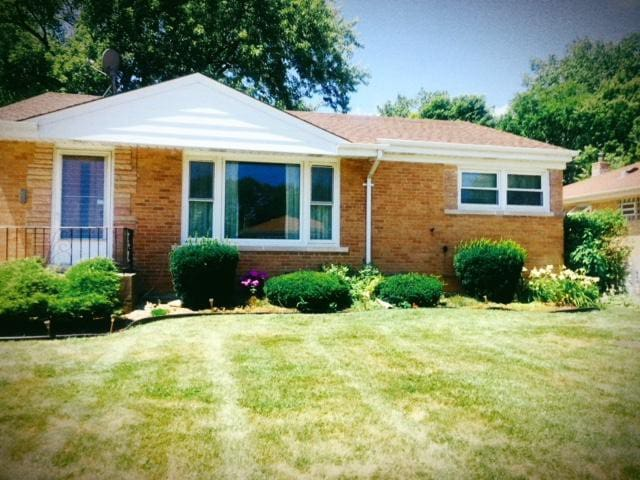 Quaint ranch style home in SKOKIE
