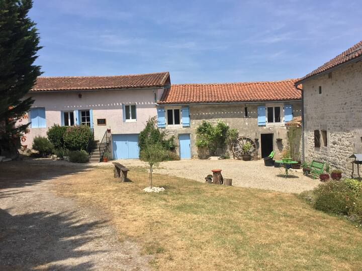 Beautiful cottage (Alouette), Angouleme, Charente