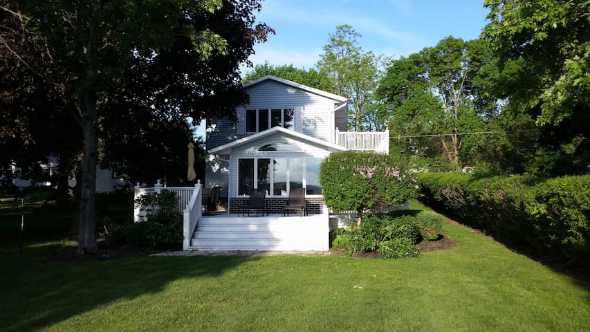 Your Private Owasco Lake Escape - Auburn - Maison