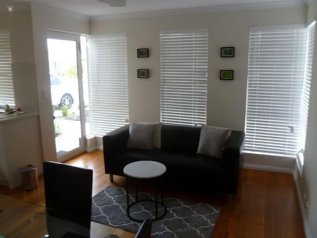 Honeywood Apartment, Perth, WA.