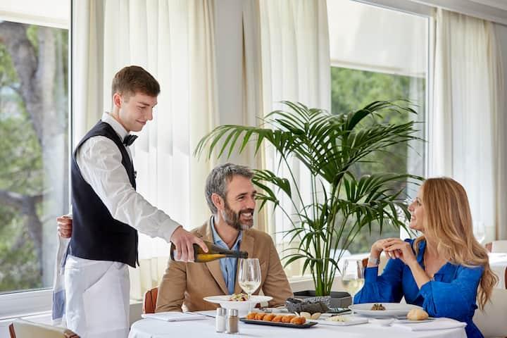 Junior Suite with breakfast at the heart of Costa Brava - Santa Marta Hotel