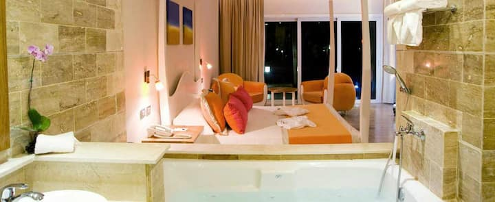 Beautiful All-inclusive VIP tropical stay