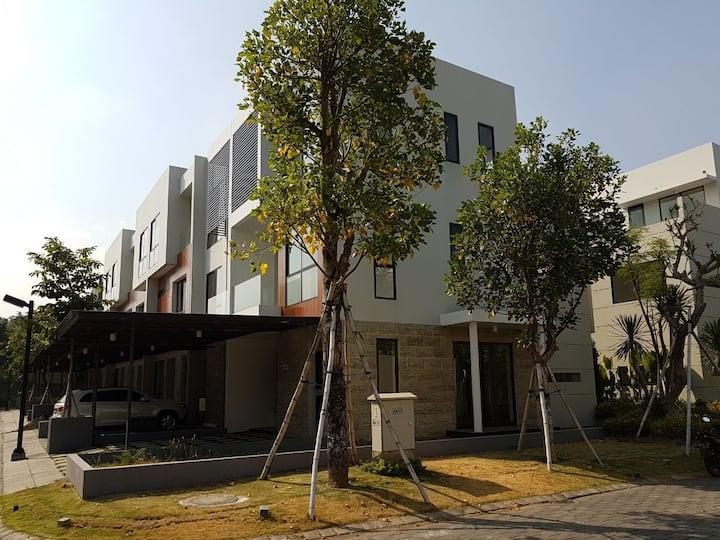 house close to Gwalk