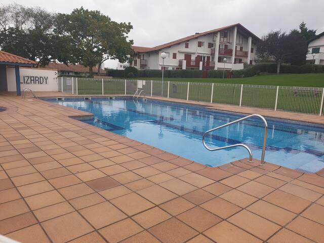 T3 500 m plage dans une résidence avec piscine