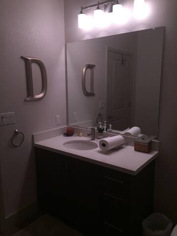 Spacious bedroom suite in Hercules