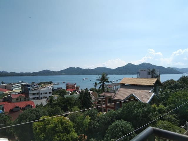 Private Room in Coron Town with View Deck Access