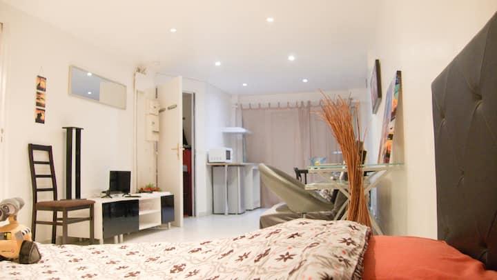 Grand studio privé tout confort proche Paris