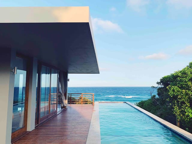 Casa Cyano. A new modern luxury house. Right on the beach. In Southern Mozambique paradisiac Ponta do Ouro marine reserve. NEW DECK WALKWAY WITH DIRECT ACCESS TO THE BEACH