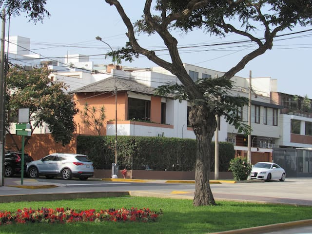 Room with private bathroom in Miraflores