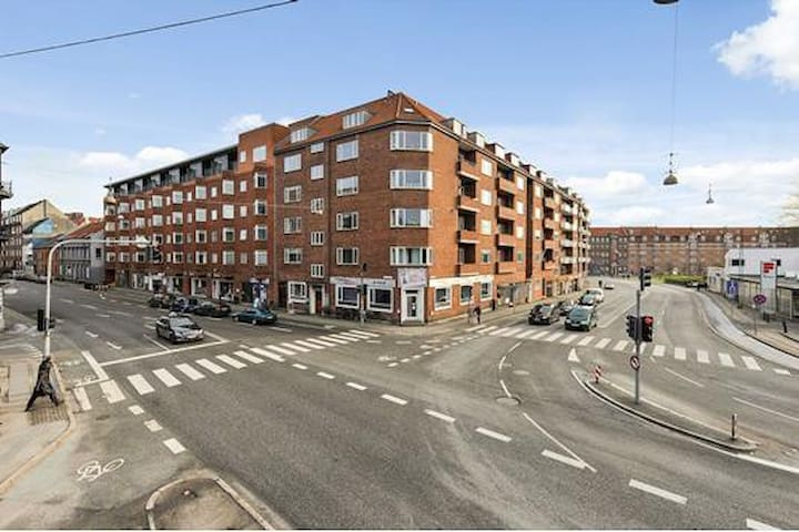Lækker 3 værelses lejlighed centralt i Aarhus C - Aarhus - Apartment