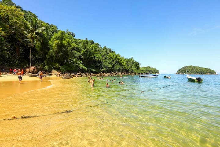 Pertinho da Ilha das couves entre serra e mar