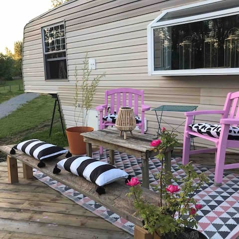 Renovated Camper turned Tiny House- City Glamping