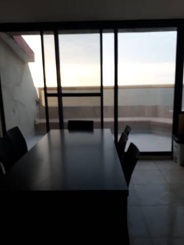 Arriendo departamento frente mar Playa Almendro