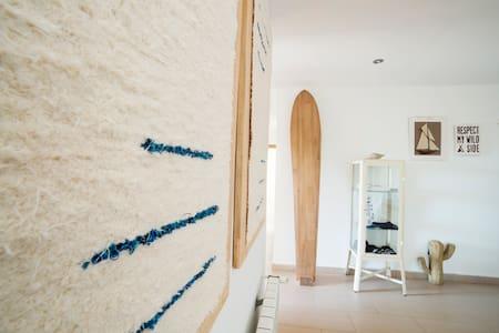 · BERRIA SURFHOUSE · HAB Nº 2 · - Santoña