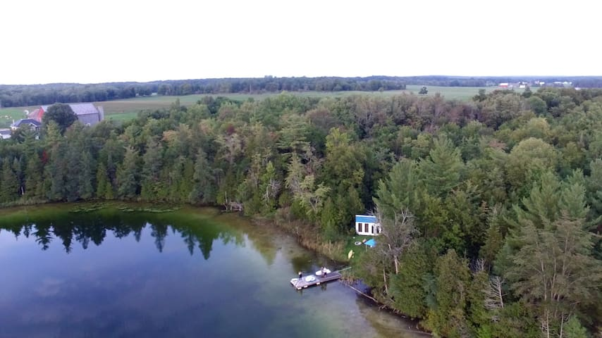 Amish Triangle lakeside 'glamping' experience.