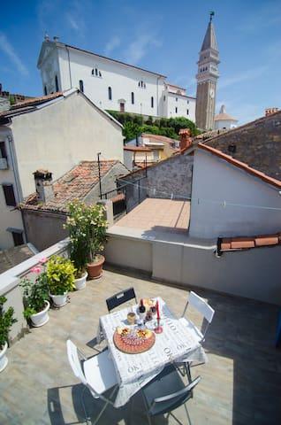 "Room ""Izola"" in Traditional Piran house (TPH)"