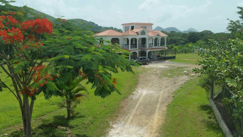 Villa vista la Montaña
