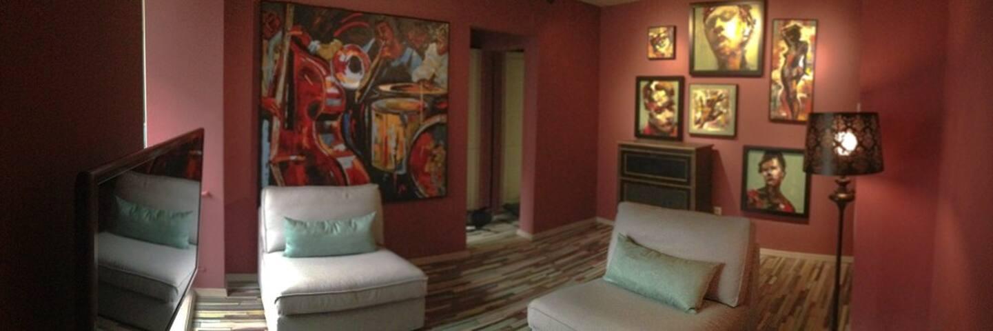 Elegant, one bedroom Art Deco apart - București - Apartment