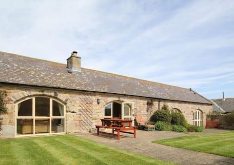 Courtyard Retreat, No 3