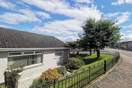 3 Bedroom Home from Home. Close to city centre.