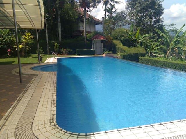 Cozy Rancamaya Villa/Single House 2,645 m2