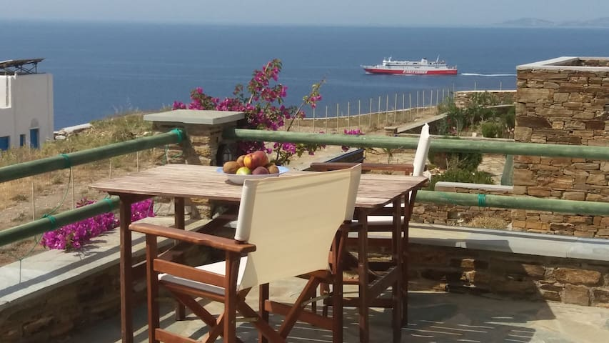Stunning seaview house of the Aegean, beachside.