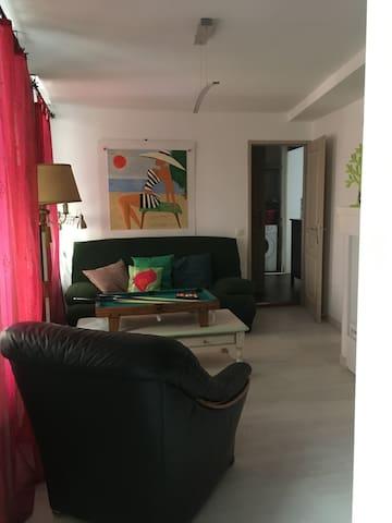 """Appartement"""" génial """",  (commentaires) climatisé"""