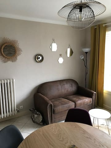 appartement avec garage au pied du CV et cinéma
