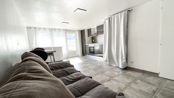 Petit appartement privé à 10 minutes de Royan