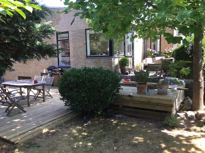Hus i Gentofte tæt på S-tog station