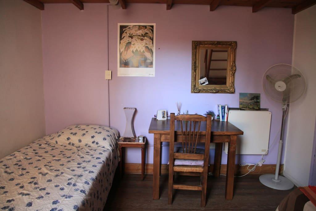 cama 1 plaza y media y escritorio