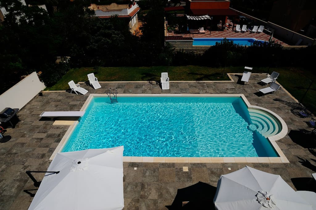 Mansarda in villa con piscina flats for rent in arenella - Villa con piscina sicilia ...