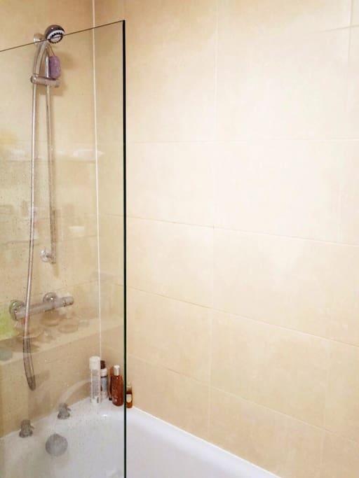 High Water Pressure Shower!