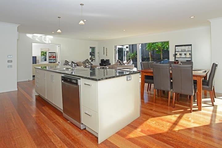 Auckland Safe Friendly Home