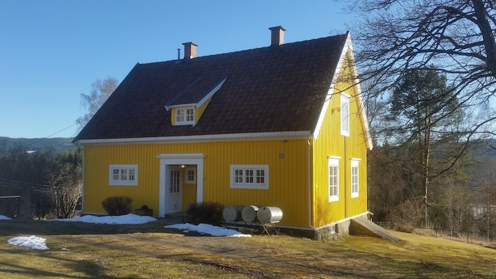 Det Gule Huset... your place in Norway.