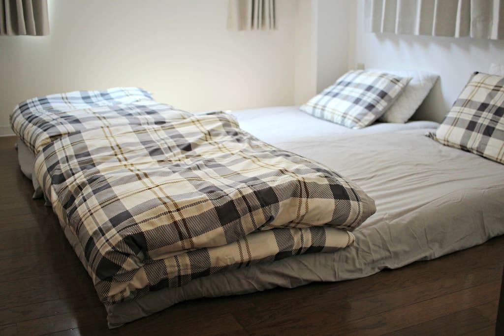 2 single futons