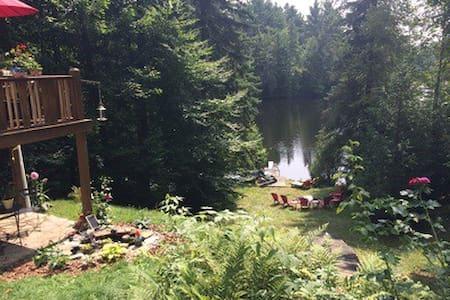 Un coin de paradis qui donne sur un lac - Morin-Heights