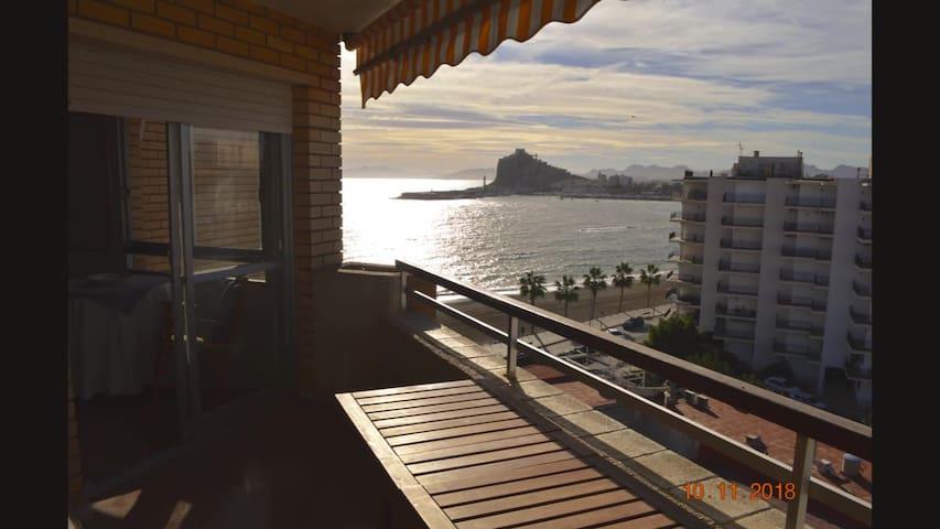 Apartamento cerca del mar, terraza, WiFi, equipado