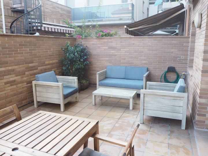 BACO. Apartment with fantastic terrace. 5 minutes from the beach. Free wifii