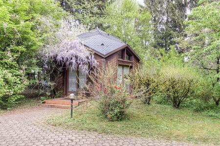 Joli chalet avec piscine et sauna - Villersexel - 牧人小屋