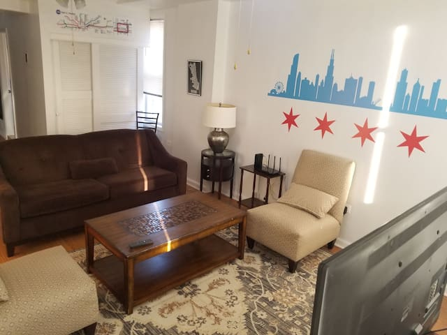 Chicago apartment in the heart of Pilsen!