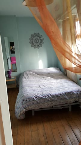 Double room in Camden Lock NW1