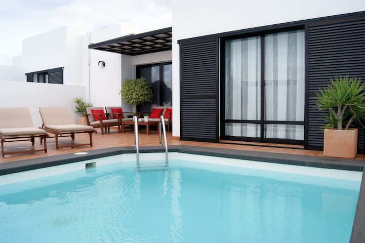 Villa MONTEPINDO (Pool, Wifi, A/A*) - Yaiza - Huis