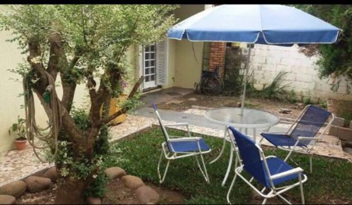 Casa bairro nobre de Caxias, seguro e próx. centro