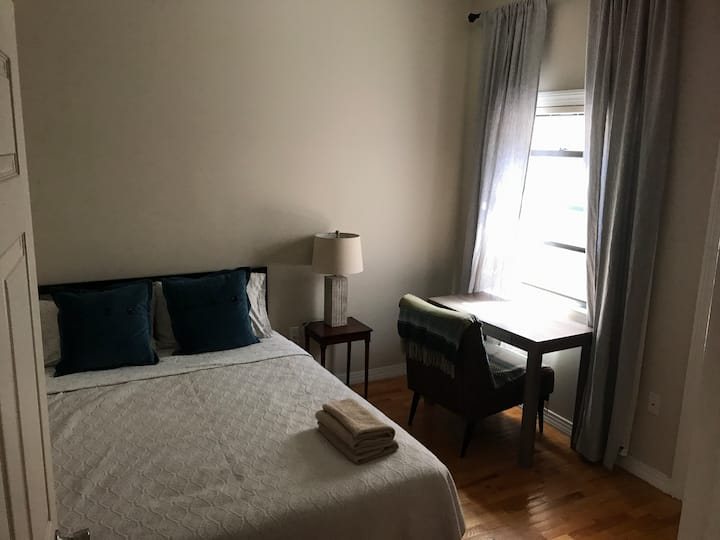 Cosy bedroom 15 mins from Times Square NYC