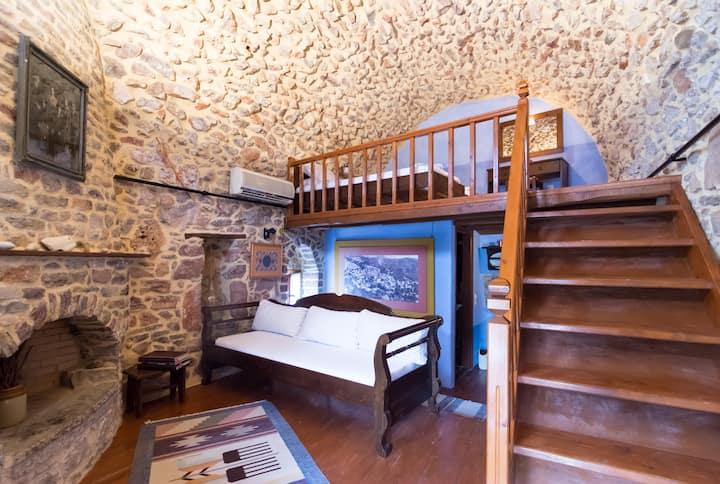 Σπήλια πέτρινο εξοχικό σπίτι