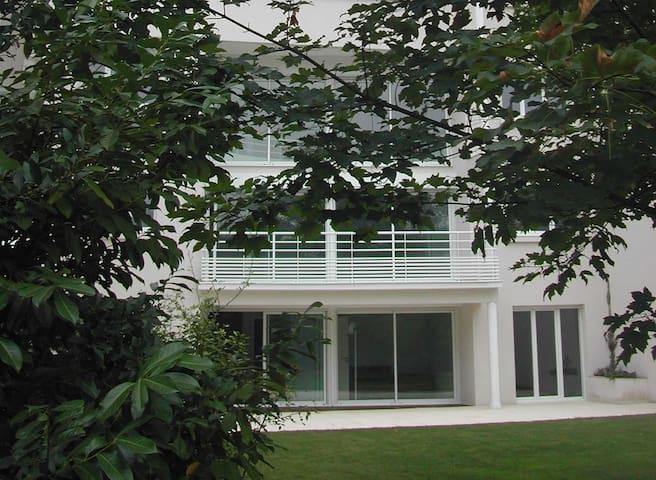 Paris, Issy, Pte de Versailles, 6 chambres, 245 m2