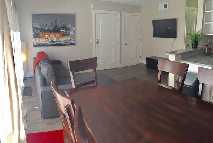 2 Bedroom Plaza Retreat - Kansas City - Apartment