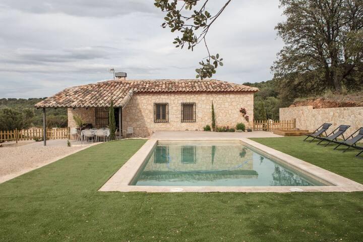 Preciosa casa de campo con piscina (45min Madrid)