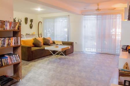 Beagle's Loft & Lounge,  Cancun down town - Cancún